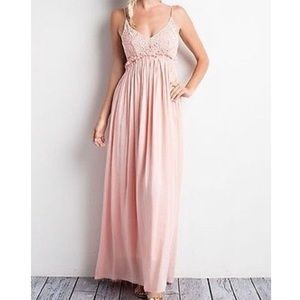 Wishlist Backless Maxi Dress : Peachy